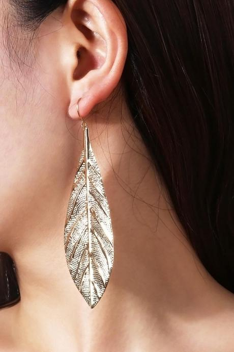 Fashion Metal Leaves Long Earrings